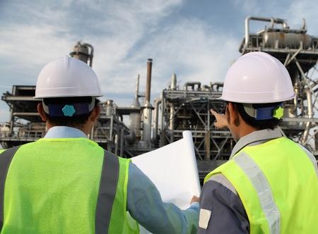deux discussions au sujet du plan de travail ingénieur sur le site emplacement