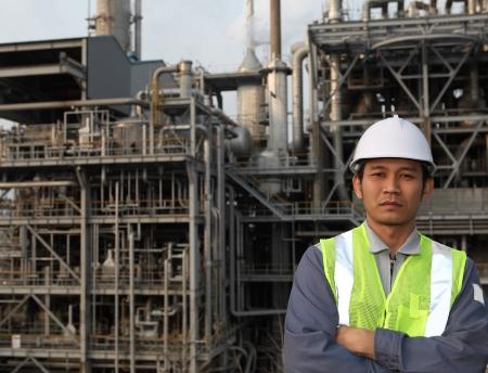 ingénieur de la raffinerie de pétrole