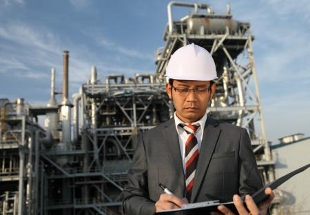 ingenieur van de olie-raffinaderij