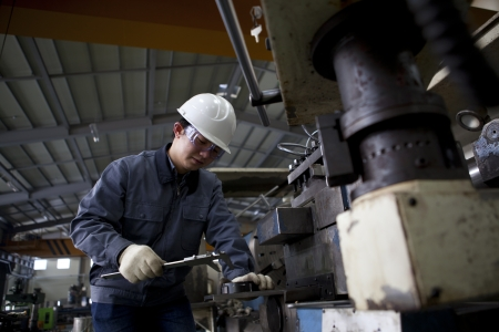 operante: meccanica di misura dettaglio tecnico dopo cnc