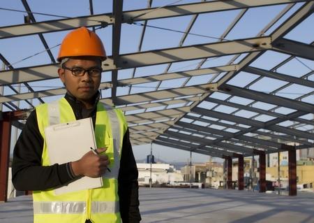 ingeniero civil: Ingeniero de construcción en la nueva obra de construcción