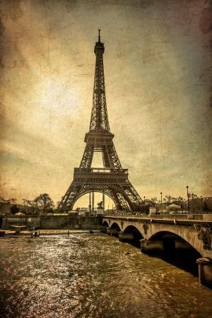 Paris Eiffelturm bei Sonnenuntergang