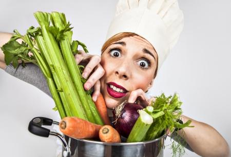 Betonte Kochmädchen