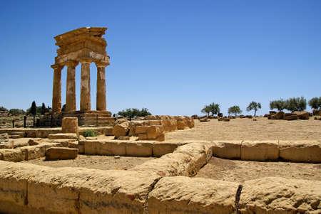 ricin: Temple de Castor et Pollux (temple des Dioscures), dans la vall�e d'Agrigente du temple: � l'�preuve du temps. Patrimoine mondial de l'UNESCO