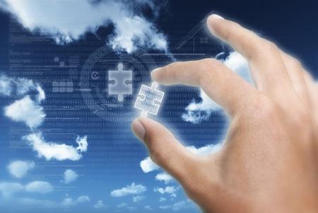 tecnologia informacion: Tomar o poner la pieza de rompecabezas de la informaci�n en la tecnolog�a de la informaci�n digital de transferencia de datos Foto de archivo