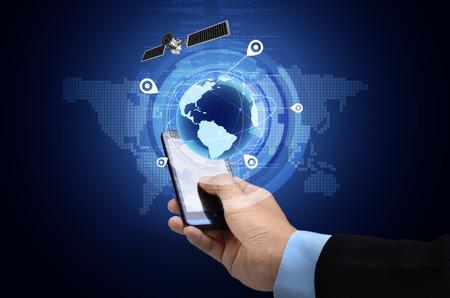 comunicación: Imagen conceptual del Sistema de Posicionamiento Global GPS en el teléfono inteligente