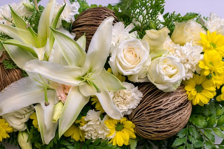 flores color pastel: manojo de flores en colores pastel Foto de archivo