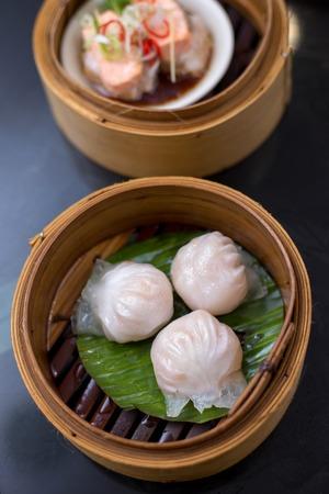Steamed shrimp dumplings - Dim sum yumcha