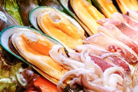 giant mussel in seafood plate 版權商用圖片