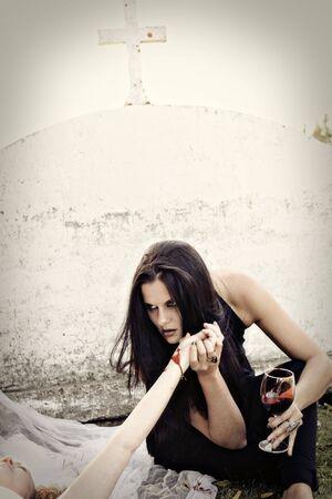 Vampire drinking 免版税图像
