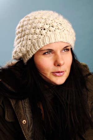冬の準備ができて白い帽子の女 写真素材