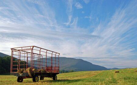 farm implement: Hay cart