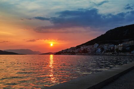 Beautiful sunset on the coast of Neum, Bosnia and Herzegovina 免版税图像