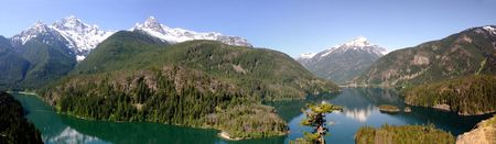 pyramid peak: The north cascades range panoramic image showing lake Diablo, Colonial peak, Pyramid peak and Davis peak
