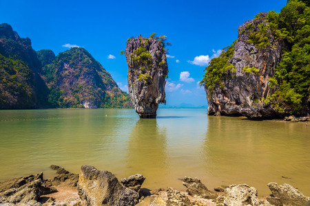 james: The world famous James Bond island also known as Khao Phing Kan featuring the 20m tall islet known as Ko Tapu in Phang nga bay in Thailand. Stock Photo