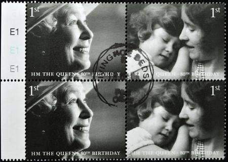 queen elizabeth ii: UNITED KINGDOM - CIRCA 2002: A stamp printed in United Kingdom shows Queen Elizabeth II, serie, circa 2002.