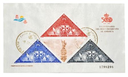 discoverer: Espa�a - alrededor de 1992: Un sello impreso en Espa�a, conmemorando el centenario del descubrimiento de Am�rica por Crist�bal Col�n, V alrededor de 1992 Foto de archivo
