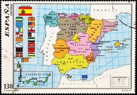 philatelist: SPANIEN - CIRCA 1996: Eine Briefmarke gedruckt in Spanien zeigt die Karte von Spanien mit den Autonomen Gemeinschaften, circa 1996