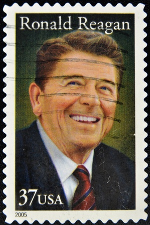 ronald reagan: UNITED STATES OF AMERICA - CIRCA 2005: A stamp printed in the United States of America shows image of former President Ronald Reagan, who died in 2004, series, circa 2005