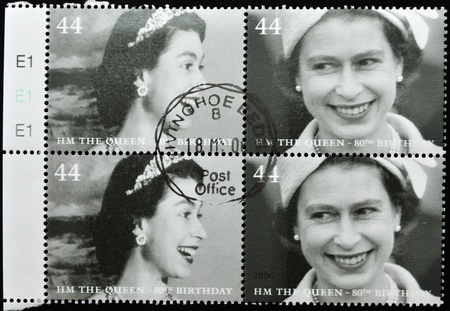 UNITED KINGDOM - CIRCA 2002: A stamp printed in United Kingdom shows Queen Elizabeth II, serie, circa 2002.  Stock Photo - 10741362