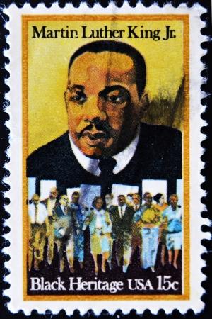 USA - CIRCA - 1979: eine Briefmarke in den Vereinigten Staaten von Amerika gedruckt zeigt Martin Luther King Jr. und Bürgerrechte Demonstranten, Black Erbe, circa 1979