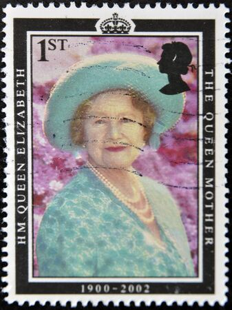 UNITED KINGDOM - CIRCA 2002: A stamp printed in Great Britain shows Queen Elizabeth, the queen mother, circa 2002 Stock Photo - 11438932