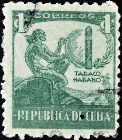 snuff: CUBA - CIRCA 1946: Un sello impreso en Cuba dedicado a La Habana tabaco, alrededor del a�o 1946