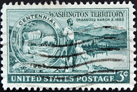 UNITED STATES - CIRCA 1953: stamp printed in United states, shows Medallion Pioneers and Washington Scene, circa 1953  photo