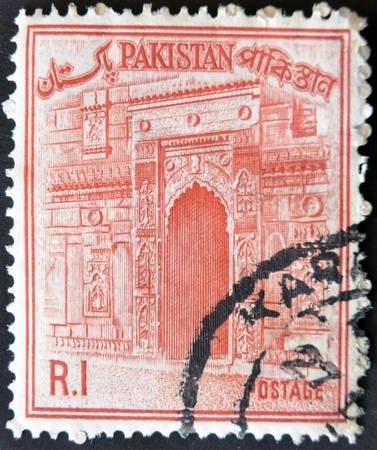 PAKISTAN - CIRCA 1961: A stamp printed in Pakistan shows Chota Sona Masjid Gate, circa 196 Stock Photo - 11581973
