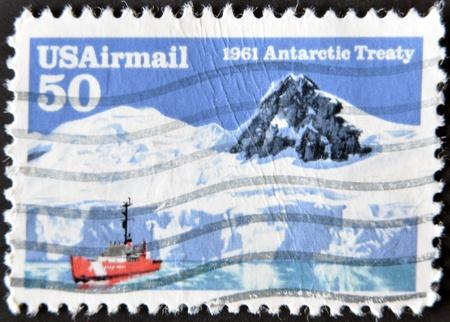 verdrag: VS - CIRCA 1961: Een stempel gedrukt in de Verenigde Staten toont Antarctisch Verdrag, circa 1961
