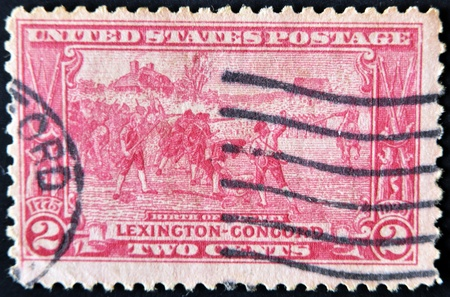 stamp collecting: UNITED STATES - CIRCA 1925: A stamp printed in USA shows the battle of Lexington-Concord. The American Revolution, circa 1925  Stock Photo