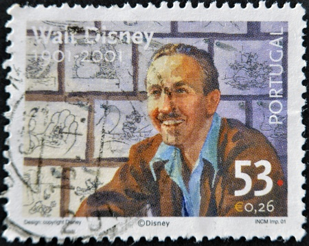 screenwriter: PORTOGALLO - CIRCA 2001: Un timbro stampato in Portogallo mostra l'immagine di Walt Disney, circa 2001 Editoriali