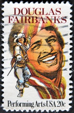 screenwriter: USA - CIRCA 1999: francobollo stampato negli Stati Uniti mostra Douglas Fairbanks un attore americano, circa 1999 Editoriali