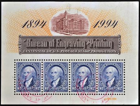 george washington: ESTADOS UNIDOS DE AM�RICA - CIRCA 1994: Un sello impreso en los EE.UU. dedicado a centenario de producci�n de EE.UU. sello postal muestra a George Washington, alrededor de 1994 Editorial