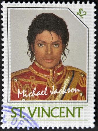 philatelist: ST. VINCENT - CIRCA 1985: Ein Stempel in St. Vincent gedruckt zeigt Michael Jackson, circa 1985