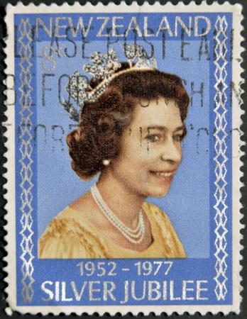 queen elizabeth: NEW ZELAND - CIRCA 1977: A Stamp printed in New Zealand showing Portrait of Queen Elizabeth, circa 1977.