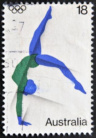 rhythmische sportgymnastik: AUSTRALIEN - CIRCA 2000: Eine Briefmarke gedruckt in Australien zeigt, rhythmische Gymnastik, um 2000 Editorial