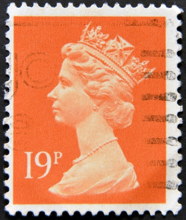 UNITED KINGDOM - CIRCA 1971: An English stamp printed in Great Britain shows Portrait of Queen Elizabeth, circa 1971.