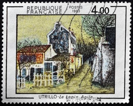 """flink: FRANKREICH - CIRCA 1983: Eine Briefmarke in Frankreich gedruckt zeigt die Arbeit """"flinken Hasen"""" von Utrillo, circa 1983 Editorial"""