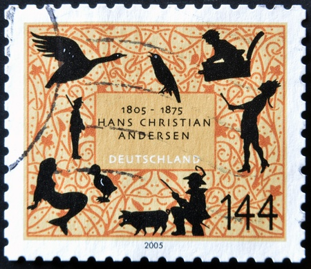 ugly duckling: GERMANY - CIRCA 2005: A stamp printed in Germany dedicated to Hans Christian Andersen, circa 2005 Editorial