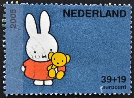 philatelist: HOLLAND - CIRCA 2005: Ein Stempel in den Niederlanden gedruckt zeigt Miffy das H�schen von Dick Bruna, circa 2005 Editorial