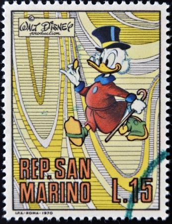 sammarinese: SAN MARINO - CIRCA 1970 Un timbro stampato in San Marino mostra Paperon de 'Paperoni, personaggio dei cartoni animati di Walt Disney, circa 1970 Editoriali