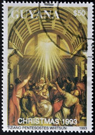 pfingsten: GUYANA - CIRCA 1993: Ein Stempel in Guayana gedruckt zeigt Pfingsten von Tiziano, um 1993