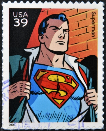 sello postal: ESTADOS UNIDOS DE AM�RICA - CIRCA 2006: sello impreso en los EE.UU. muestra superhombre, alrededor del a�o 2006