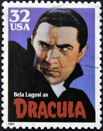 UNITED STATES OF AMERICA - CIRCA 1997: A stamp printed in USA shows Bela Lugosi as Dracula, circa 1997 Foto de archivo