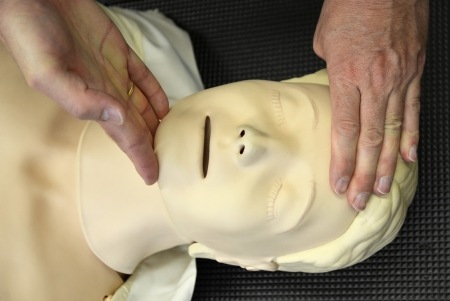 reanimation: Resuscitation training on dummy