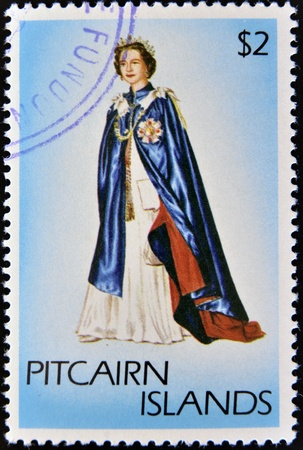 pitcairn: PITCAIRN ISLANDS - CIRCA1977: A stamp printed in Pitcairn islands shows a portrait of the Queen Elizabeth II with cape, crown and scepter, circa 1977 Editorial