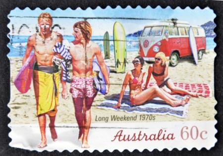 long weekend: AUSTRALIA - CIRCA 2010: Un timbro stampato in Australia mostra 1970 di fine settimana lunghi, circa 2010 Archivio Fotografico