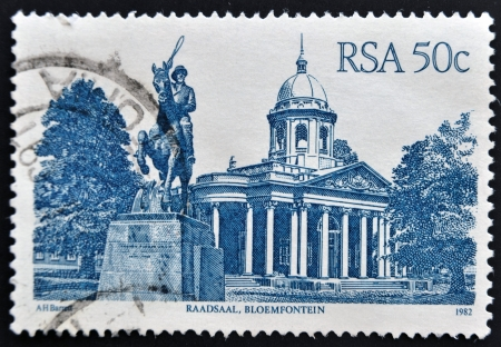 rsa: SOUTH AFRICA - CIRCA 1982: A stamp printed in RSA shows Raadsaal, Bloemfontein, circa 1982