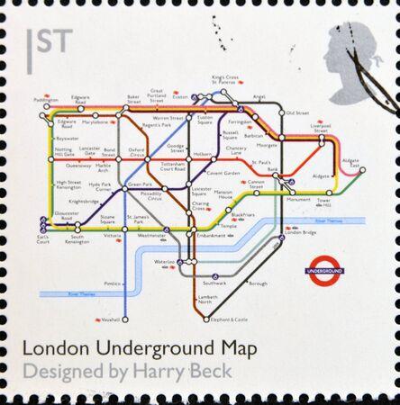 지하에: 영국 - 경 2009 년 영국에서 인쇄하는 스탬프 클래식 디자인에 바친다 2009 년경 해리 벡 런던 지하철지도를 보여줍니다